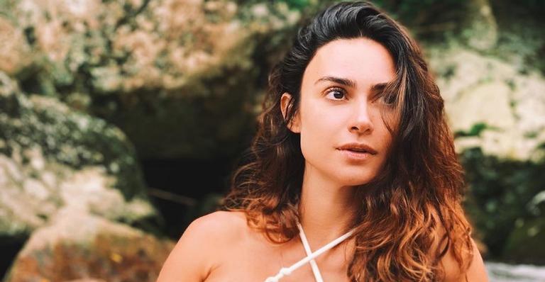 Thayla Ayala compartilha clique curtindo dia de praia no Rio de Janeiro