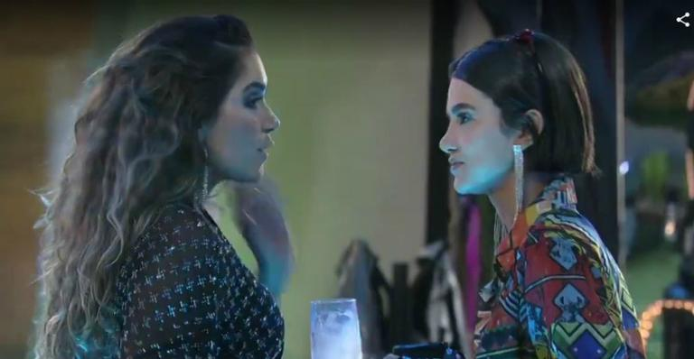 Durante uma conversa entre as sisters, Gizelly perguntou como agir perto dos famosos