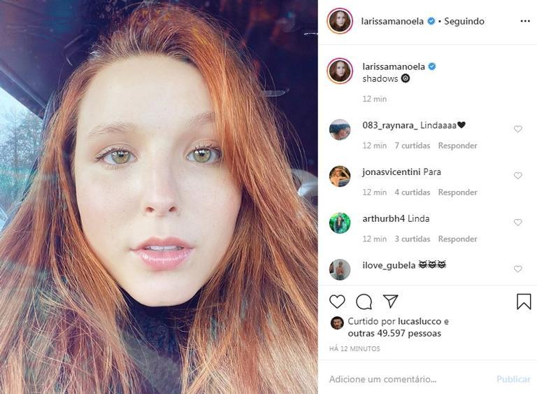 Larissa Manoela encanta os seguidores em foto de cara lavada