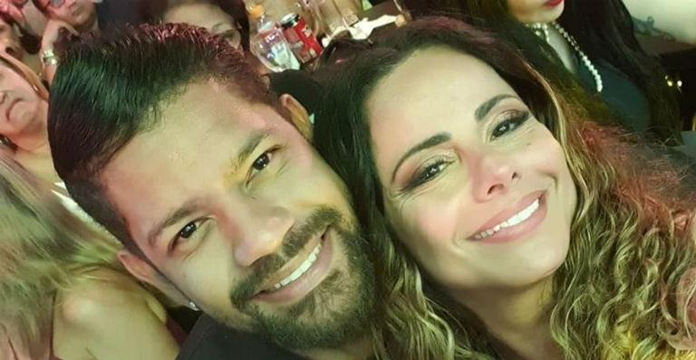 Viviane Araújo se declarou para o namorado mostrando seu companheirismo durante os ensaios de Carnaval