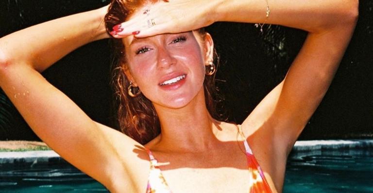Em barco luxuoso, Marina Ruy Barbosa exibe corpo escultural só de biquíni