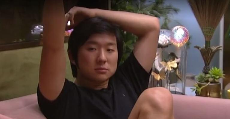 Durante uma conversa na sala do confinamento, Pyong avaliou o queridômetro