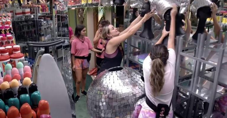 Após vencer a Prova do Anjo, Gabi escolhe Marcela e Gizelly para o desafio do Monstro