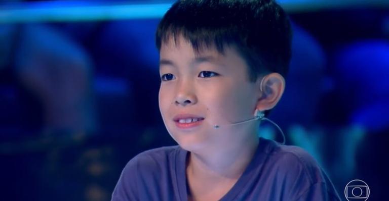 Luciano Huck compartilhou um vídeo exaltando a capacidade intelectual do menino