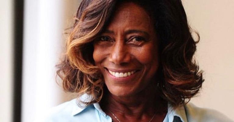 Gloria Maria revela data da primeira entrevista após a retirada do tumor no cérebro