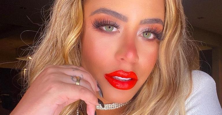 Rafaella Santos compartilha clique sensual e quase mostra demais