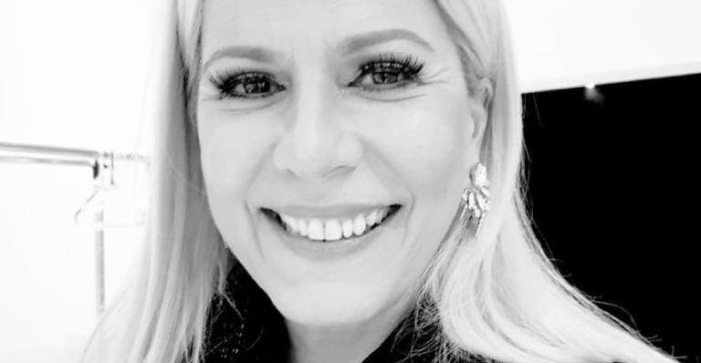 Paula Toller foi vista no comércio carioca