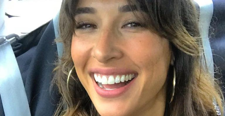 Giselle Itié publica selfie feita enquanto dava de mamar ao primogênito, Pedro Luna