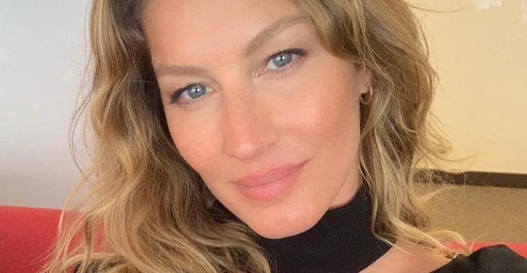 Gisele Bündchen corta o cabelo da filha em casa: ''Cliente satisfeita''