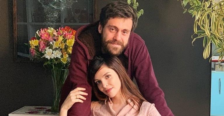 Titi Müller usa as redes sociais para compartilhar foto maravilhosa de Benjamin no colo de Tomás Bertoni