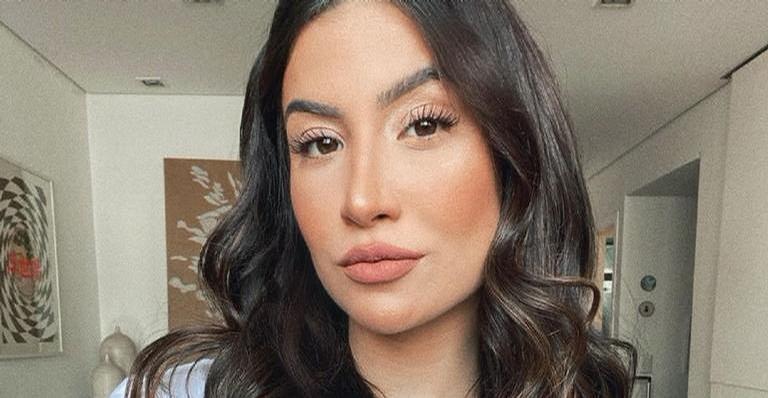 Bianca Andrade surge lindíssima ao aderir moda do delineado colorido