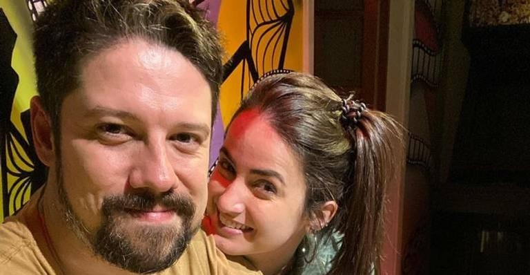 O apresentador falou sobre o novo programa que Mari Palma comandará na CNN Brasil e rasgou elogios para a namorada