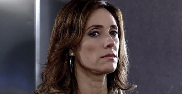 Encurralada por comparsa, Tereza Cristina confessa crimes em 'Fina Estampa'