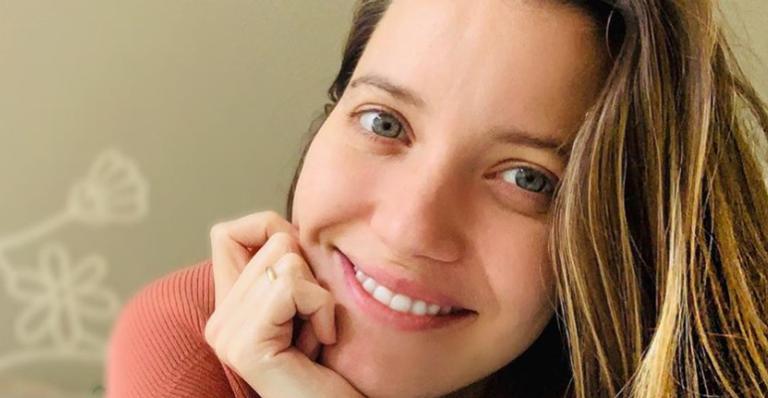 Nathalia Dill falou para seus seguidores sobre a importância de praticar yoga durante a gravidez