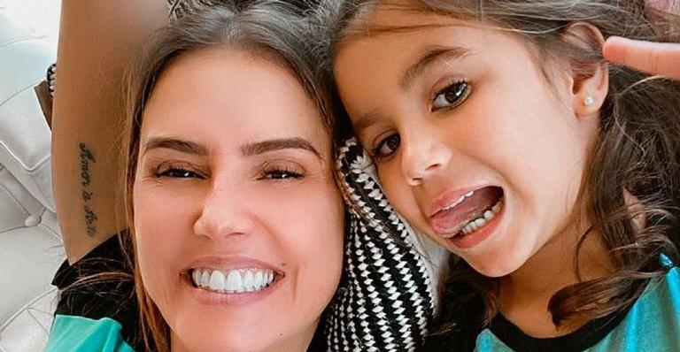 Deborah Secco explode o fofurômetro ao compartilhar vídeo da filha com look de bailarina