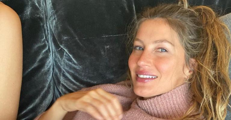 Gisele Bündchen compartilha bonita reflexão ao posar montando a cavalo