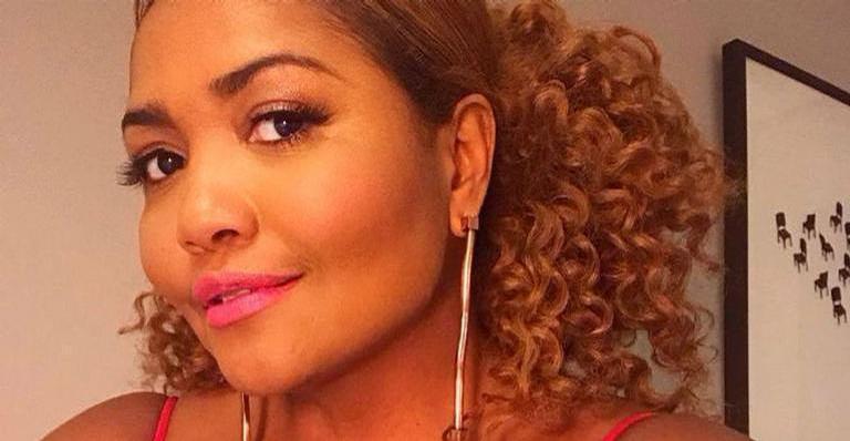 Cantora mostrou as curvas no Instagram