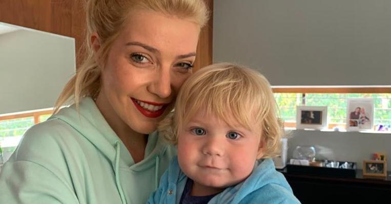 Luiza Possi abre álbum de fotos fofíssimas do filho e encanta web: ''Fofura''