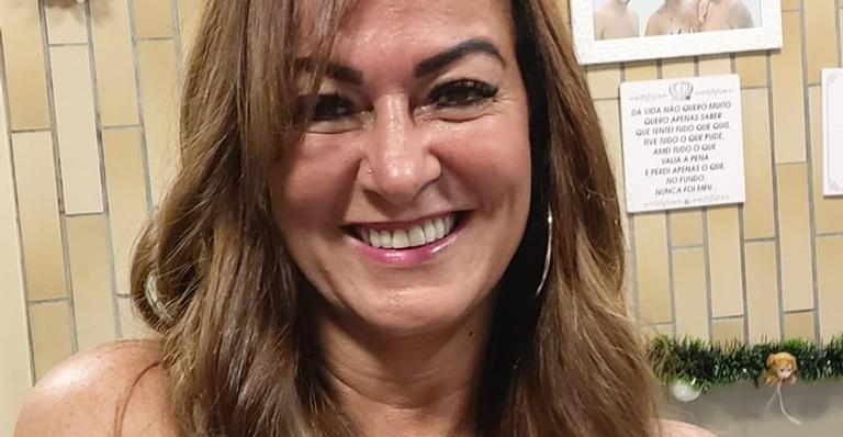 Nadine Gonçalves, mãe de Neymar, surge de biquíni e agita a web: ''Simplesmente linda''