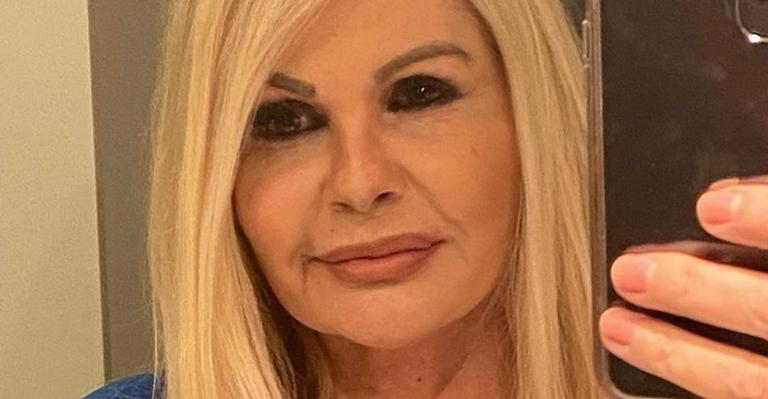 Monique Evans relembra ensaio de lingerie e agita a web: ''Espetáculo''