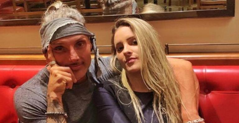 Juliano Ceglia reata namoro com a designer Tati Bonilha, diz colunista