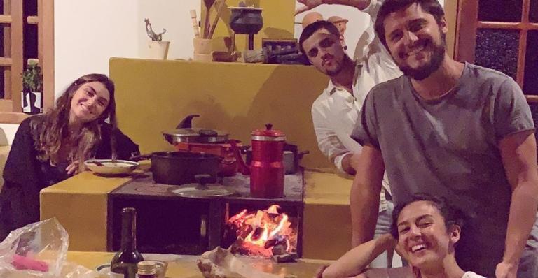 Esposa de Felipe Simas mostra visita na casa de campo de Bruno Gissoni e Yanna Lavigne: ''Delícia''