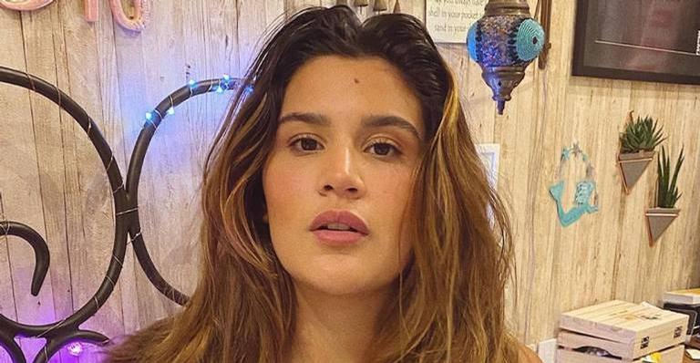 De body e coturno, Giulia Costa recebe chuva de elogios dos internautas