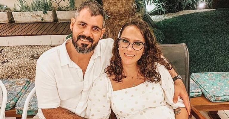 Juliano Cazarré anuncia nascimento da filha, Maria Madalena: ''Viva a vida''
