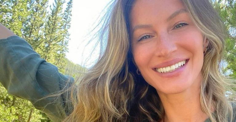 Gisele Bündchen compartilha cliques fazendo ioga e recebe chuva de elogios