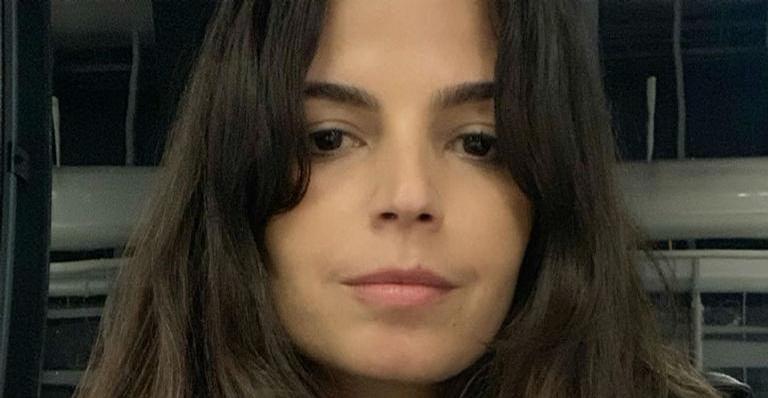 Emanuelle Araujo surge ao som de Gilberto Gil e Caetano Veloso: ''Acordar e agradecer''