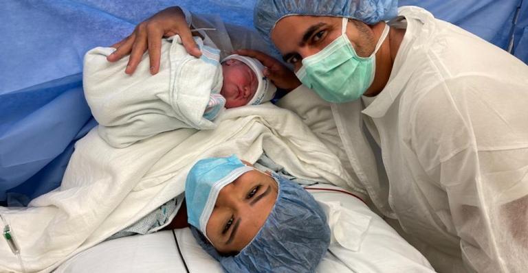 A cantora deu à luz Zaya nesta última segunda-feira, 22. Confira os cliques do parto!