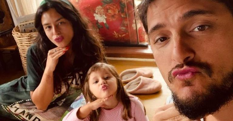 Yanna Lavgine se derrete por Bruno Gissoni e Madalena: ''Minha vida todinha''