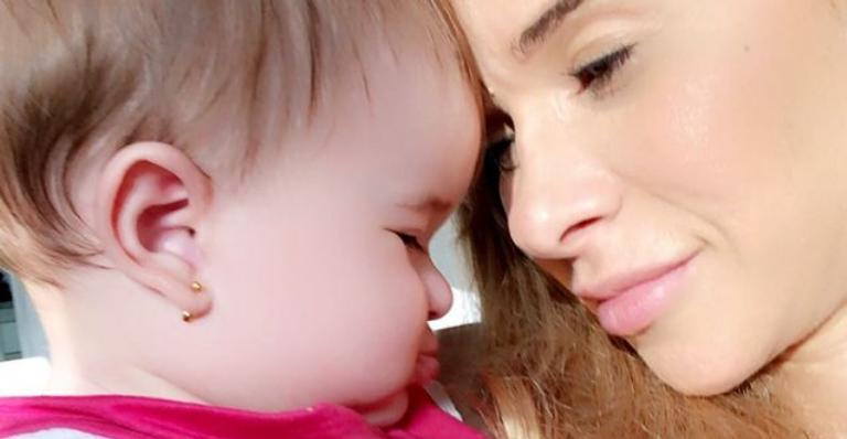 Dany Bananinha celebra 11 meses da filha, Lara, e encanta web