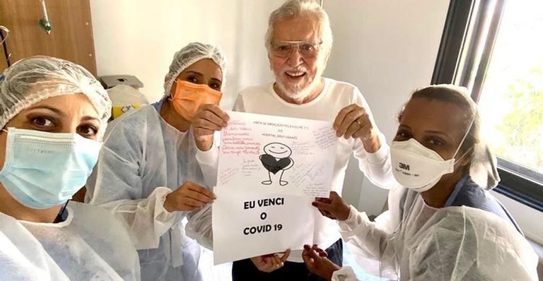 Carlos Alberto de Nóbrega faz agradecimento após se recuperar da Covid-19
