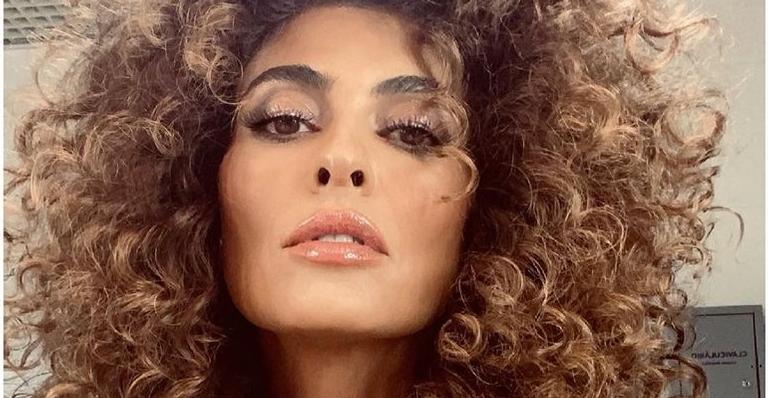 Juliana Paes esbanja curvas impecáveis em vídeo na academia