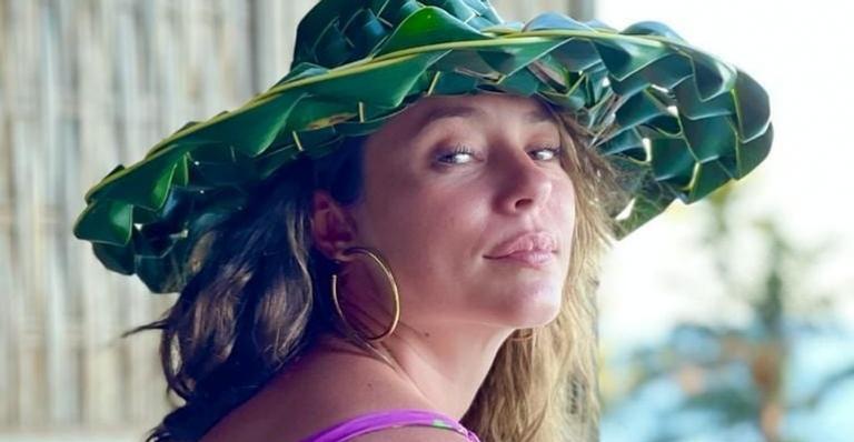 Cacheada, Paolla Oliveira dá show de beleza em clique deslumbrante: ''Maravilhosa''