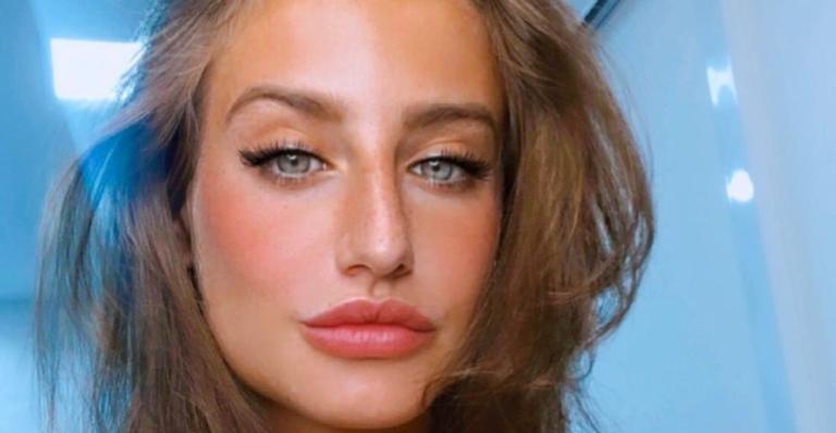 Belíssima, Bruna Griphao evidencia curvas com look justíssimo