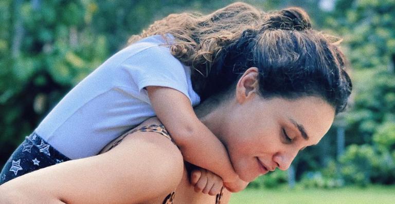 Débora Nascimento emociona ao celebrar os 3 anos da filha, Bella