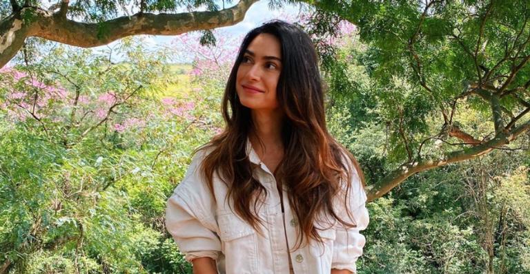 Thaila Ayala aproveita aniversário de 35 anos e encanta web