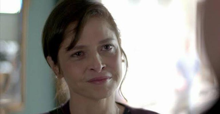 Cora fica presa após perseguir José Alfredo em 'Império'
