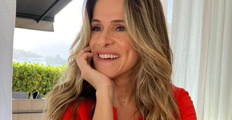 Ingrid Guimarães surge meditando com vista paradisíaca e brinca: ''Monja Ingrid''