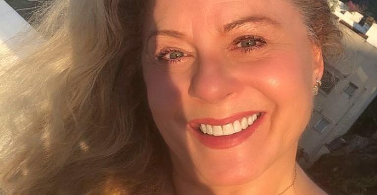 Em clima de 'sextou', Vera Fischer publica clique belíssimo e deixa os seguidores babando