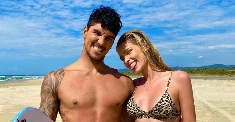 Yasmin Brunet se declara para Gabriel Medina com cliques encantadores: ''Te amo''