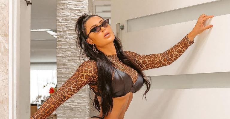 Gracyanne Barbosa posa para ensaio nu e surpreende internautas