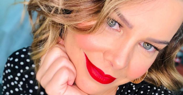 Fernanda Souza renova o visual completamente e surpreende fãs