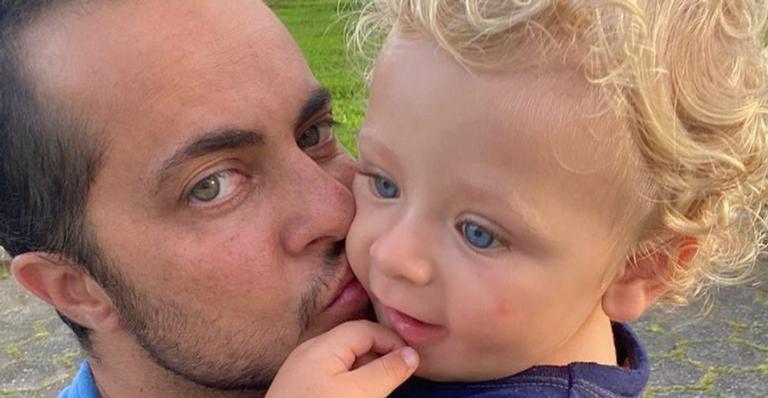 Thammy Miranda compartilha vídeo matinal do filho, Bento