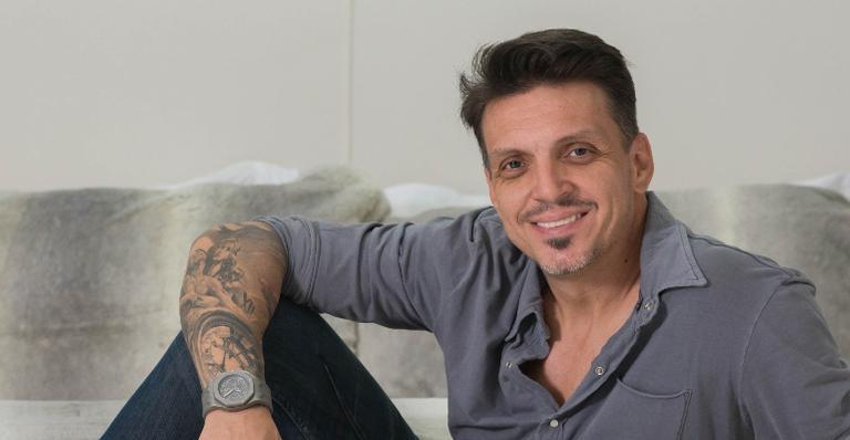 Tarso Marques abre as portas de sua nova casa na capital paulista