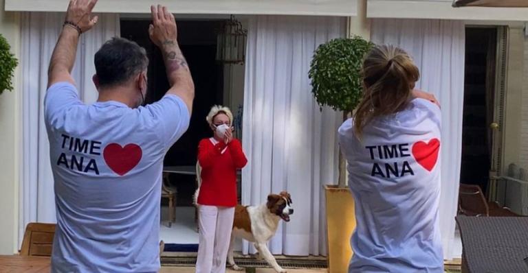 Ana Maria Braga mostra surpresa feita pelos amigos após cumprir os 14 dias de isolamento da Covid-19