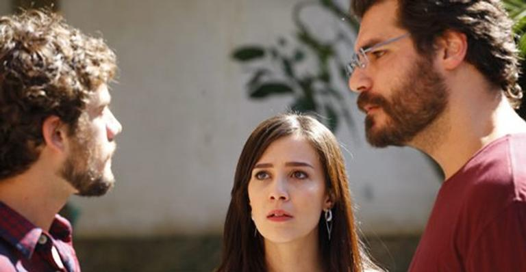 Rivais Rodrigo e Lúcio se enfrentam na novela 'A Vida da Gente'