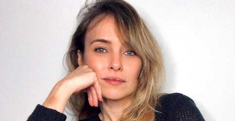 Fernanda Nobre posta vídeo do momento em que recebe a vacina contra Covid-19 e comemora